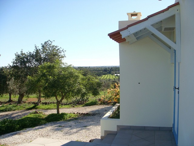 1000007674_bungalow_and_view.jpg