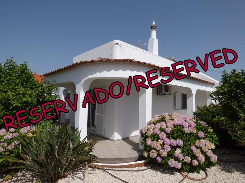 1000012000_reservado.jpg