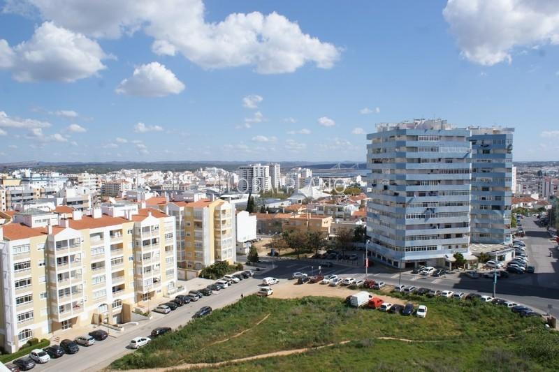Apartamento T1 Alto Quintão/Portimão - garagem, piscina, mobilado