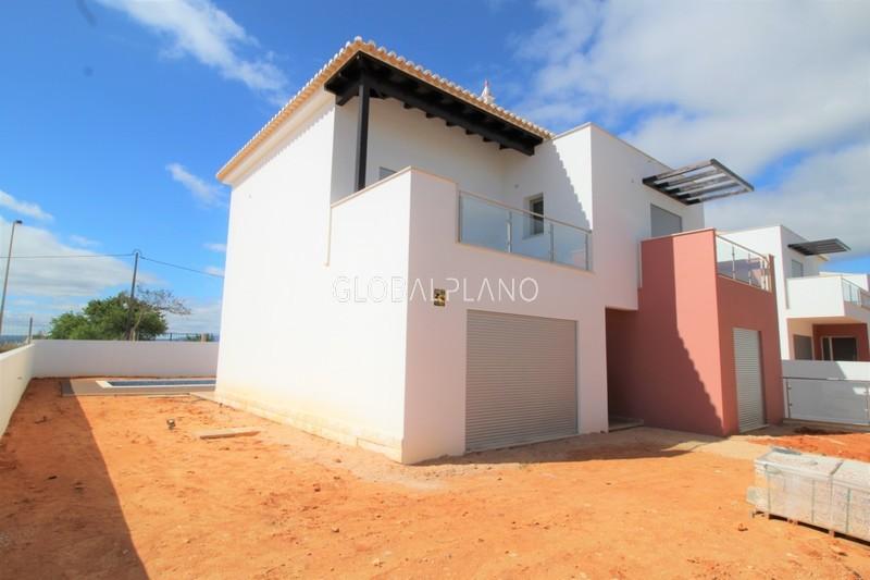 Moradia V4 Vale Lagar/ Bemposta Portimão - lareira, piscina, ar condicionado, varanda, cozinha equipada, garagem