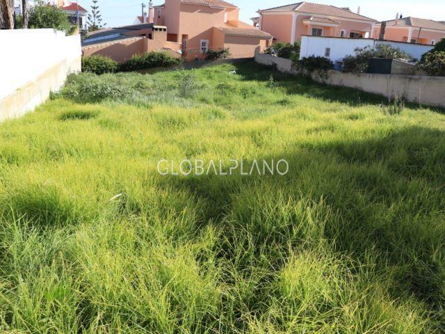 Terreno Urbano com 1369m2 Mosqueira Albufeira - água