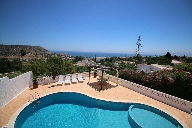 Moradia V3+1 Praia da Luz Lagos - ar condicionado, piscina, varandas, vista mar, lareira
