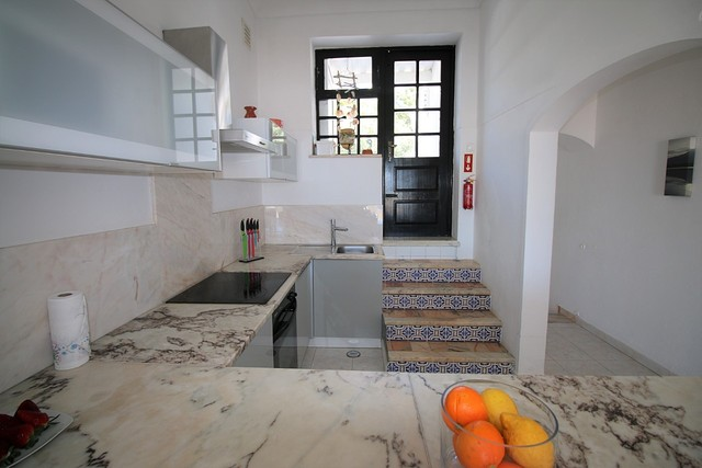 cozinha com acesso a varanda