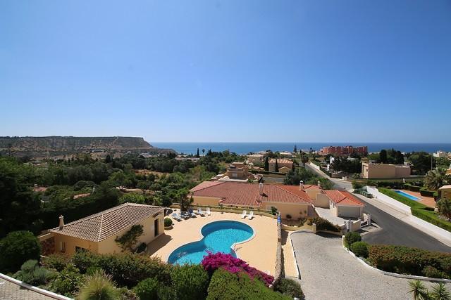 Apartamento T2 com vista mar Praia da Luz Lagos - ar condicionado, piscina, bbq, vista mar