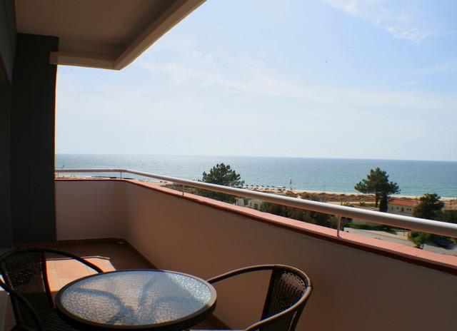 1000009234_to-balcony.jpg