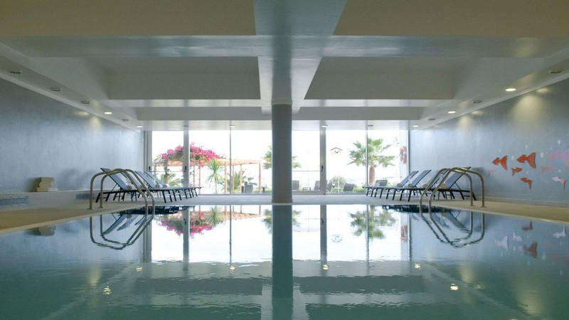 1000010239_vista-marina-apartamentos-turisticos-galleryvista-marina-piscina-interior-2.jpg