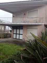 Moradia V3+1 Vila de Cucujães Oliveira de Azeméis - garagem, varanda, excelente localização, quintal
