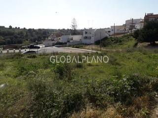 Lote de terreno com 686m2 Cálvario Estômbar Lagoa (Algarve) - bons acessos