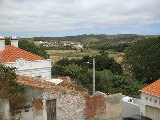 Lote de terreno com 104m2 Rua da Cruz-Cabeças Aljezur - excelente localização, bonitas vistas