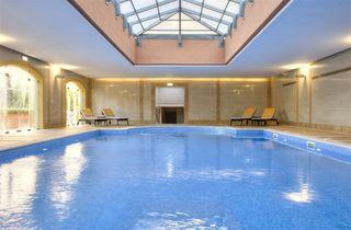 -82000584_TheResidencesatVictoria_Indoor_Swimming_Pool_2.jpg
