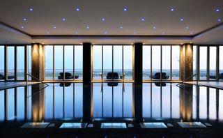 -82000584_TivoliVictoria_ElementsSpabyBanyanTree_indoorpool_panoramicview.jpg