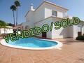 Moradia nova V4 Carvoeiro Lagoa (Algarve) - ar condicionado, terraços, piscina, garagem, jardim, painéis solares, bbq