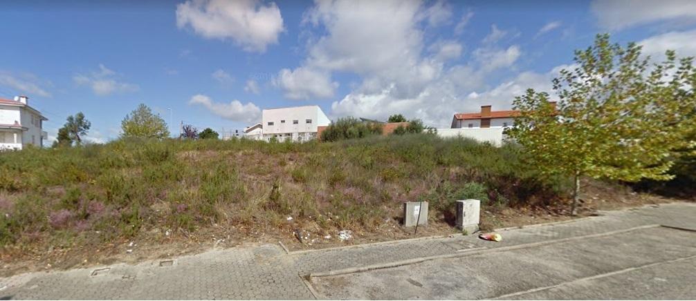 Lote com 410m2 Fermil Vila de Cucujães Oliveira de Azeméis
