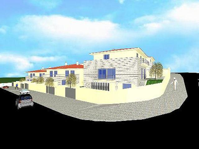 Moradia V4 Feira Santa Maria da Feira - excelente localização, bbq, ar condicionado, garagem, jardins, aquecimento central
