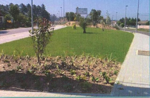 Plot of land with 679sqm Feira Santa Maria da Feira - water, electricity, easy access