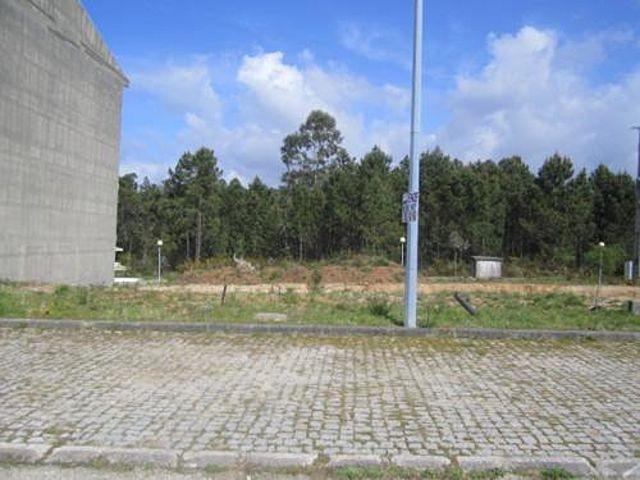 Land with 627sqm Feira Santa Maria da Feira - construction viability