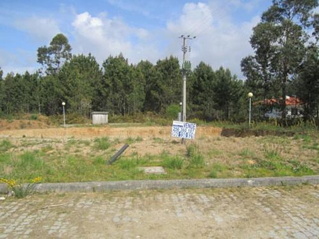 Land with 797sqm Feira Santa Maria da Feira - construction viability