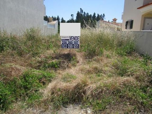 Land with 300sqm Cortegaça Ovar - construction viability