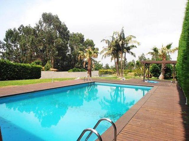 Moradia V5 Albergaria, S. J. Ver São João de Ver Santa Maria da Feira - garagem, piscina, jardim, bbq, aquecimento central