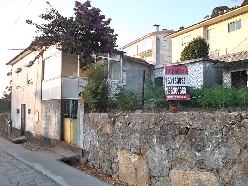 Casa V0 bem localizada Cesar Oliveira de Azeméis