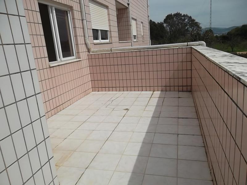 Apartamento T3 bem localizado Vila de Cucujães Oliveira de Azeméis - lareira, garagem, varandas, terraço