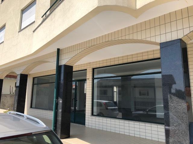 Shop Vila de Cucujães Oliveira de Azeméis - toilets, wc