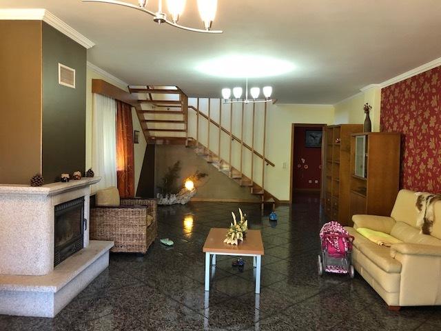 Moradia V3 Sandim Vila Nova de Gaia - alarme, varandas, cozinha equipada, zona calma, lareira, parque infantil, sótão, jardins, garagem