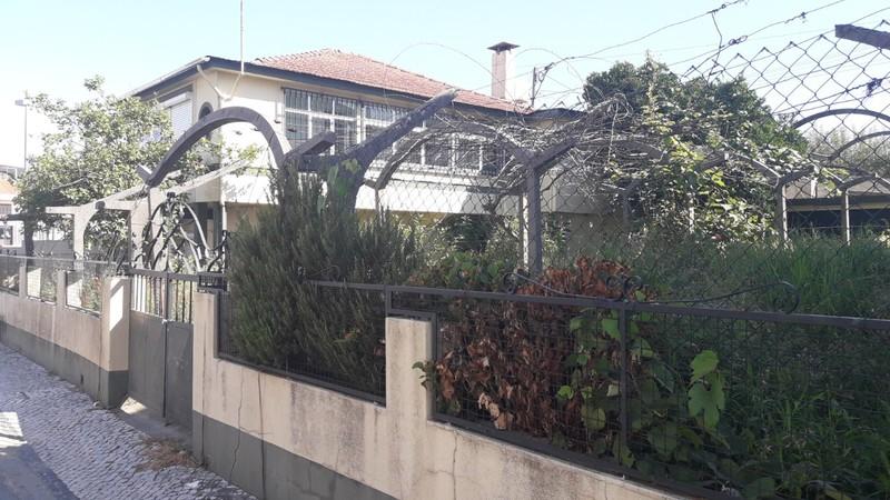 Moradia V3 no centro São Pedro de Castelões Vale de Cambra - garagem, isolamento acústico, varandas, piscina