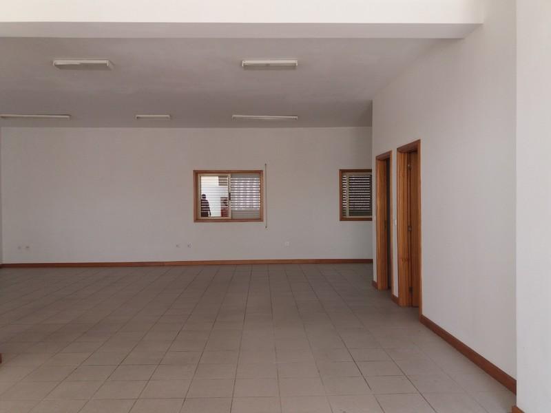 Loja São Roque Oliveira de Azeméis - wcs, excelente localização