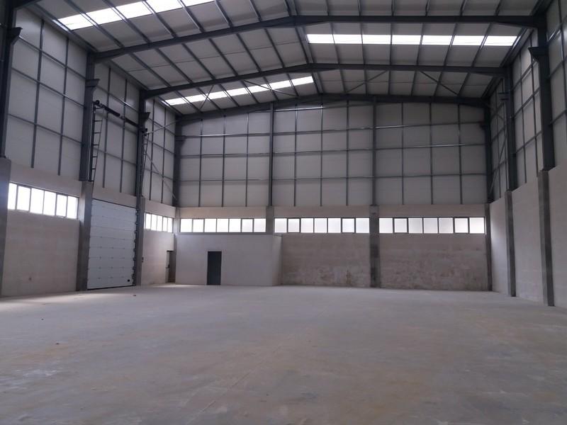 Casa Industrial com 400m2 Carregosa Oliveira de Azeméis - estacionamento