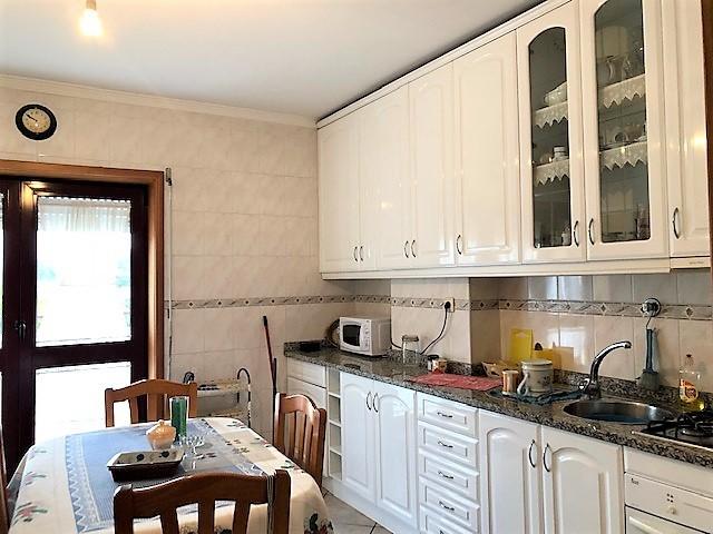 Apartamento T2 Como novo São João da Madeira - lareira, aquecimento central, garagem, cozinha equipada, terraço