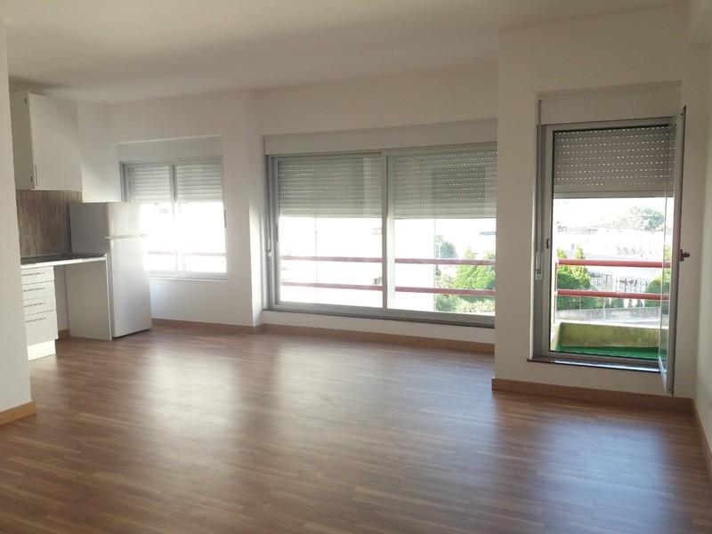 Apartamento Remodelado T2 São João da Madeira - cozinha equipada