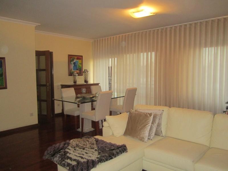 Apartamento bem localizado T3 São João da Madeira - lareira, varanda, garagem, cozinha equipada
