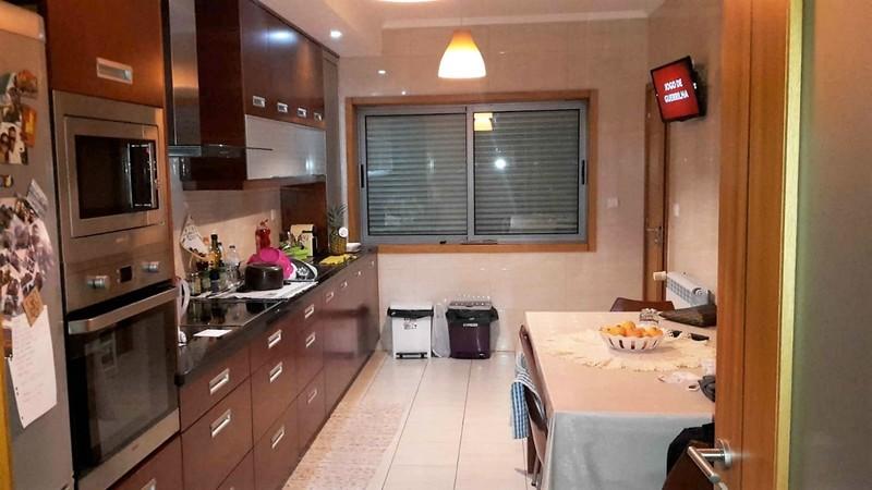 Apartamento T3 Feira Santa Maria da Feira - aquecimento central, garagem, varanda