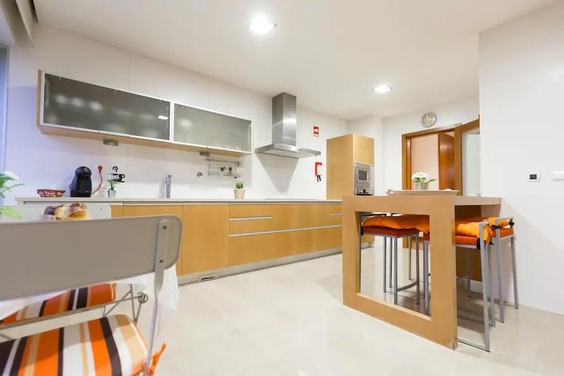 Apartamento T4 no centro Feira Santa Maria da Feira - caldeira, aquecimento central, cozinha equipada, lareira, garagem