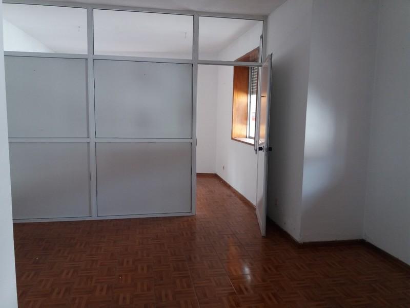 Office in the center São João da Madeira - wc