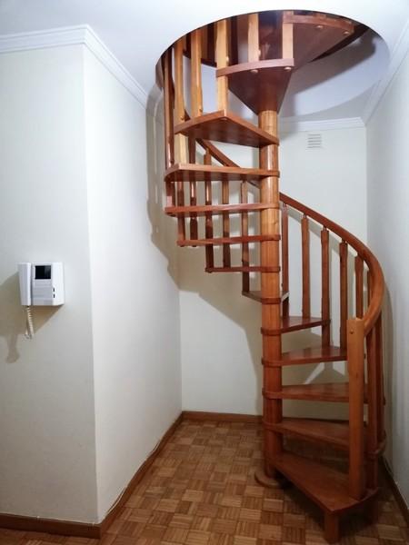 1000014989_escadaria_aguas_furtadas.jpg
