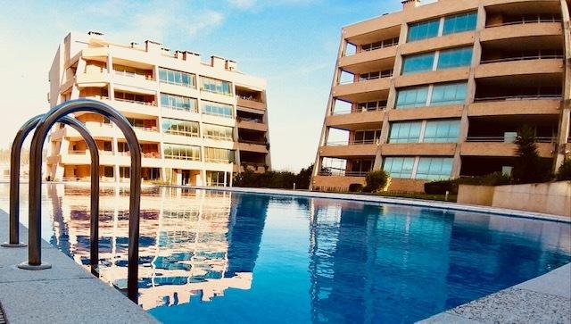 Apartamento novo T3 São João da Madeira - terraços, lareira, r/c, piscina, ténis, condomínio fechado, jardim