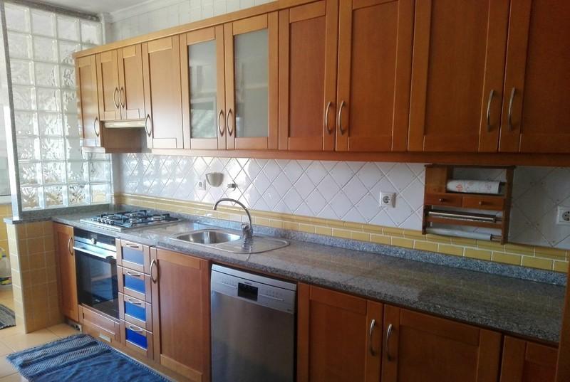 Apartamento T3 São João da Madeira - cozinha equipada, aquecimento central, garagem, mobilado, alarme, terraço