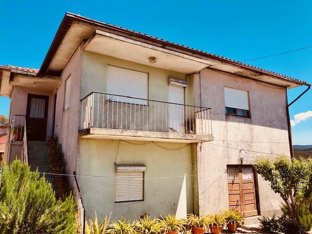 Moradia V6 Oliveira de Azeméis - garagem