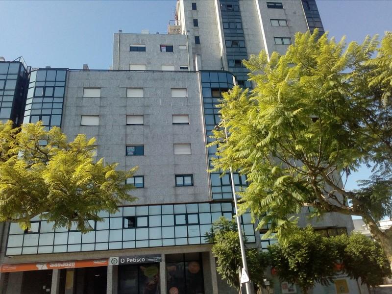Apartamento T3 São João da Madeira - lugar de garagem, aquecimento central, varanda, marquise