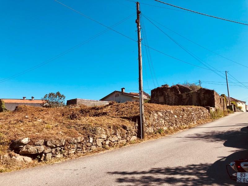 Terreno Urbano com 1500m2 Faria Cima Vila de Cucujães Oliveira de Azeméis