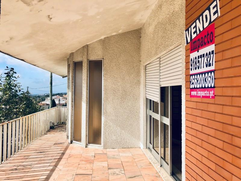 House V3 Escapães Santa Maria da Feira - fireplace, sea view, balcony, terrace, garage, garden