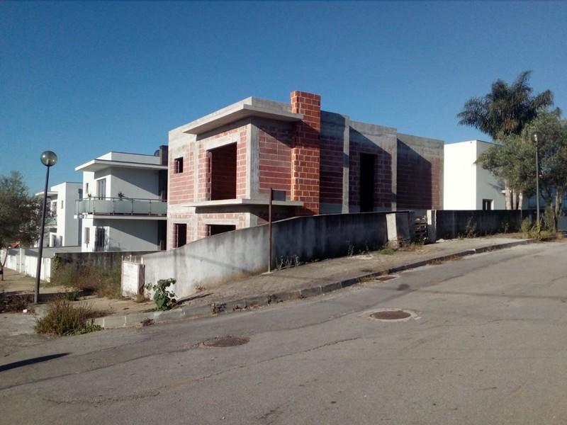 House V3+1 under construction Pinheiro da Bemposta Oliveira de Azeméis - garage, gardens, balcony, balconies, terrace