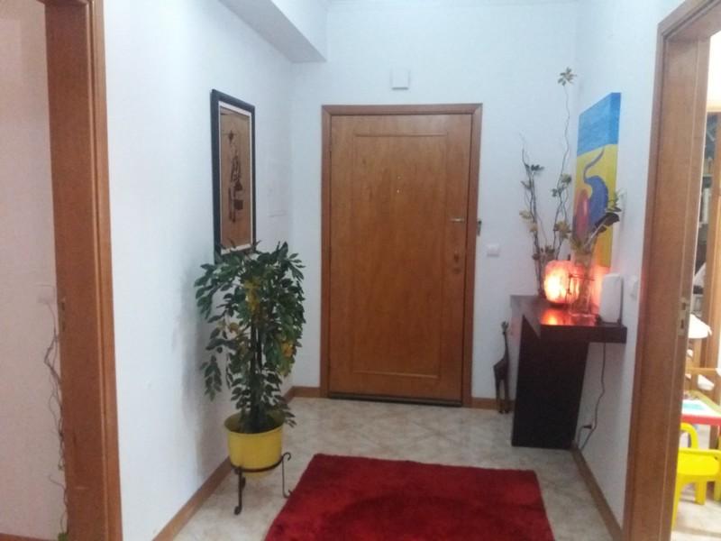 Apartamento com boas áreas T3 Pindelo Oliveira de Azeméis - garagem, bbq, terraço, lareira, cozinha equipada, aquecimento central