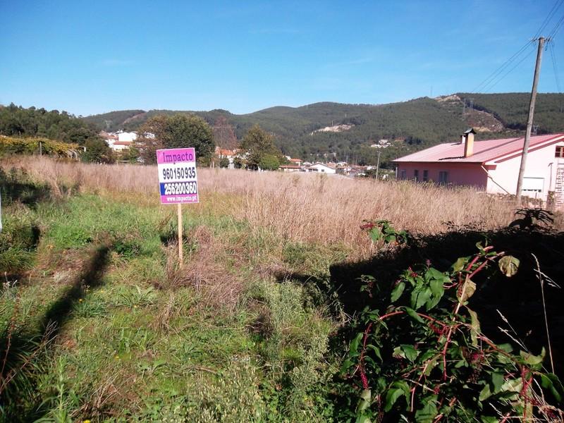Land with 2170sqm Ossela Oliveira de Azeméis - easy access