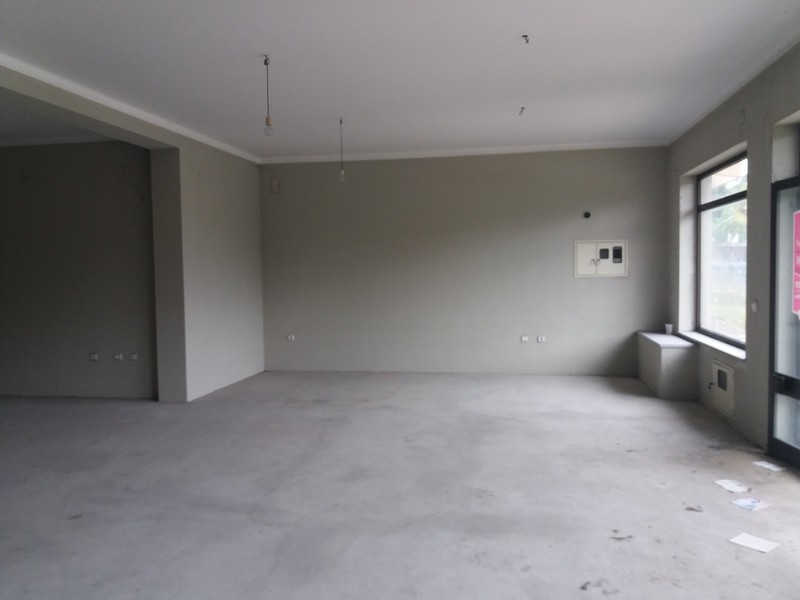 Loja Oliveira de Azeméis - wc, espaço amplo