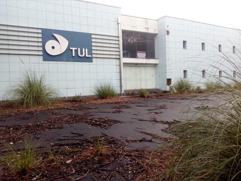 Warehouse Industrial in industrial zone Loureiro Oliveira de Azeméis - storage room, reception, parking lot, easy access, toilet