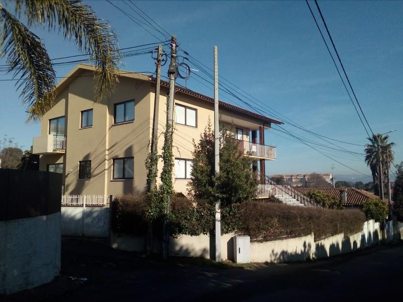 Prédio Recuperado T8 Vila de Cucujães Oliveira de Azeméis - aquecimento central, r de calor