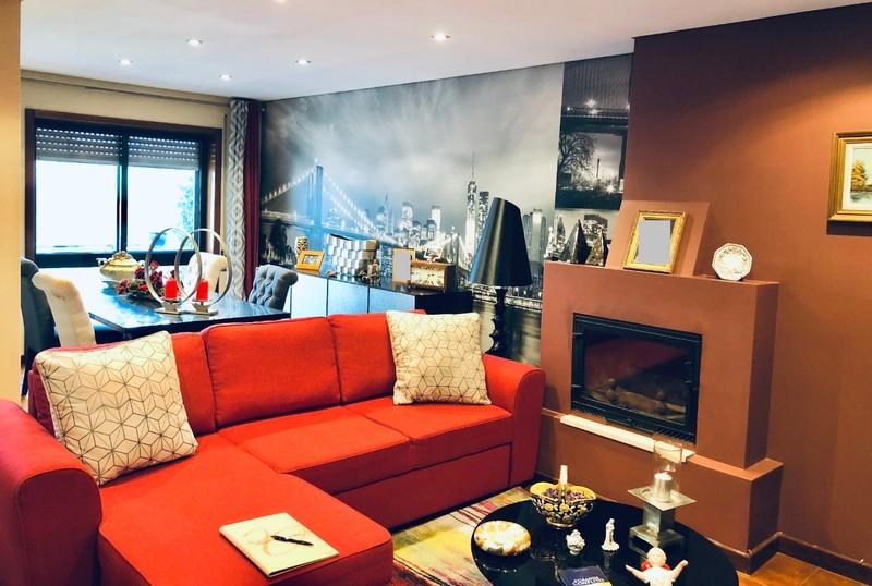 Apartamento T2 Como novo São João da Madeira - lugar de garagem, garagem, caldeira, lareira, vidros duplos, equipado, varandas